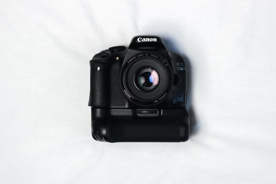 Camera stock photo, creating free content - themrktngblog